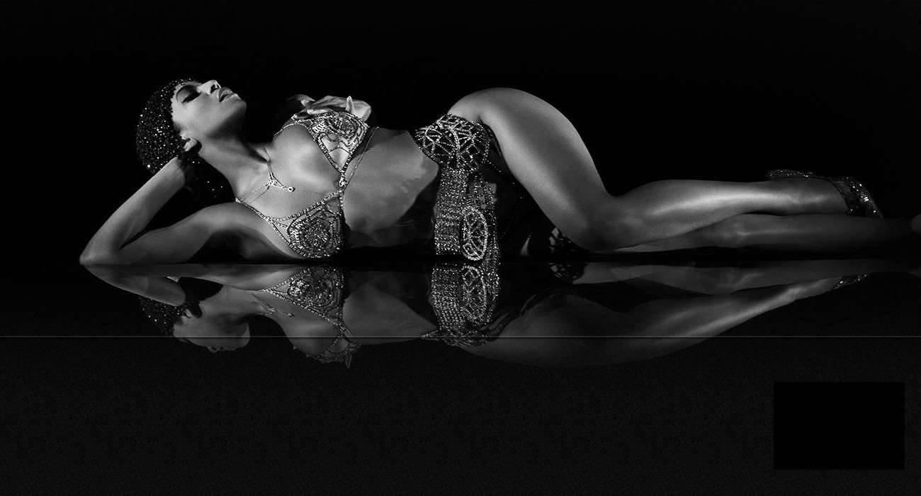 Nowy album Beyoncé zrewolucjonizował muzykę pop kultura Wideo, Spotify, Shaun Ross, Royals, ROAR, PRISM, piąty album, Pharrell Williams, nowy album, nowy, nowa płyta, Muzyka, Miley Cyrus, Lana del Rey, Lady Gaga, Kultura, Katy Perry, Justin Timberlake, Jay-Z, iTunes Store, Get Lucky, Frank Ocean, E.T., Drake, Deezer, Daft Punk, CD, Britney Spears, Britney Jean, Beyonce, Bangerz, ARTPOP, Applause, Album, 2013   Beyonce 1300x700