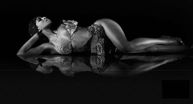 Nowy album Beyoncé zrewolucjonizował muzykę pop kultura Wideo, Spotify, Shaun Ross, Royals, ROAR, PRISM, piąty album, Pharrell Williams, nowy album, nowy, nowa płyta, Muzyka, Miley Cyrus, Lana del Rey, Lady Gaga, Kultura, Katy Perry, Justin Timberlake, Jay-Z, iTunes Store, Get Lucky, Frank Ocean, E.T., Drake, Deezer, Daft Punk, CD, Britney Spears, Britney Jean, Beyonce, Bangerz, ARTPOP, Applause, Album, 2013   Beyonce 650x350