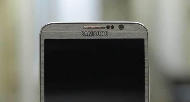 Poznajcie  Samsunga SM-G5309W z 64 bitowym SoC.  ciekawostki specyfikacja Samsunga SM-G5309W, Sasmung, Samsung SM-G5309W, Andorid  Era 64 bitowych układów dla urządzeń mobilnych rozpoczyna się. Trend ten zapoczątkowało Apple, choć wszyscy myśleli, że to tylko chwyt marketingowy. Aby nie zostać w tyle, Androidowa konkurencja szykuje własne urządzenia wyposażone w 64 bitowe SoC. Samsung2 650x350