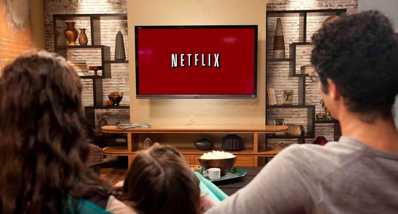 Netflix wprowadza dźwięk przestrzenny na iPhone i iPad ciekawostki netflix party, netflix nowości, netflix iOS, Netflix, jak wlaczyc dzwiek przestrzenny w netflix, dźwięk przestrzenny w Netflix na iPhone, dźwięk przestrzenny w Netflix na iPad, dzwiek przestrzenny w Netflix  Netflix potwierdził, że jest na etapie wdrażania obsługi dźwięku przestrzennego w swojej aplikacji na iPhone i iPad. netflix1