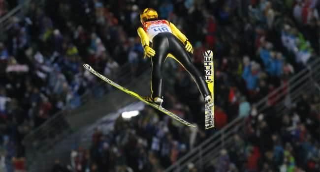 Ski Jumping Pro na iOS dziś za darmo w App Store gry-i-aplikacje Za darmo, Wideo, Skoki narciarskie, Ski Jumping Pro, Gra, Film, Apple, App Store  Jeśli kochasz skoki narciarskie, to ten wpis jest skierowany właśnie do Ciebie. Znakomita gra Ski Jumping Pro została przeceniona i można ją pobrać zupełnie za darmo. SkiJump.onetech.pl  650x350