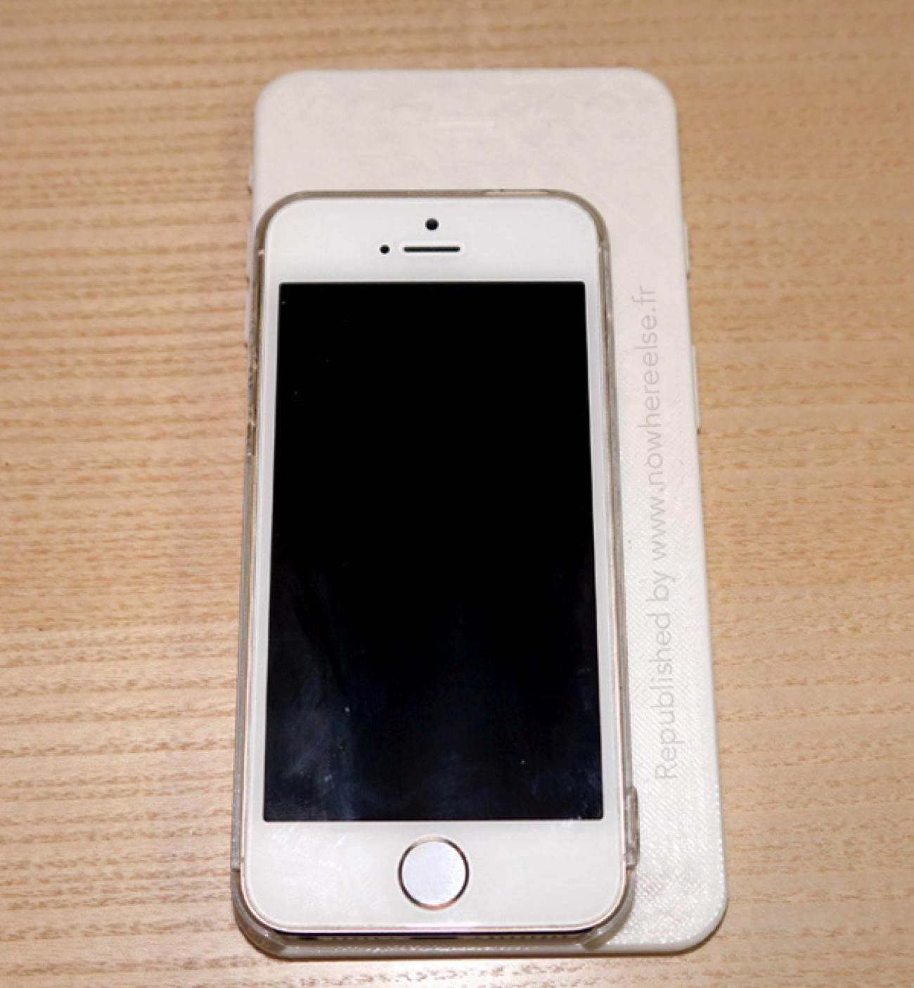 iPhone-6-5-5-3D06