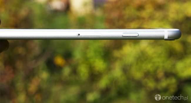 iPhone 6 Plus okiem kobiety recenzje, felietony, ciekawostki recenzja iPhone 6 Plus, Recenzja, polska recenzja iPhone 6 Plus, kobieta i iPhone 6 Plus, kobieta i iPhone, iPhone 6 Plus oczami kobiety, iPhone 6 Plus, iPhone, czy warto kupić iPhone 6 Plus, Apple  Wraz z początkiem listopada stałam się posiadaczką iPhone 6 Plus w wersji z 64GB pamięci. Nie byłoby w tym w sumie nic dziwnego, gdyby nie fakt, że po konferencji Apple, na której pokazano iPhone 6 i 6 Plus wygłaszałam na Twitterze twierdzenia, że z pewnością tej paletki nie kupię. iPhone6.onetech.pl  650x350