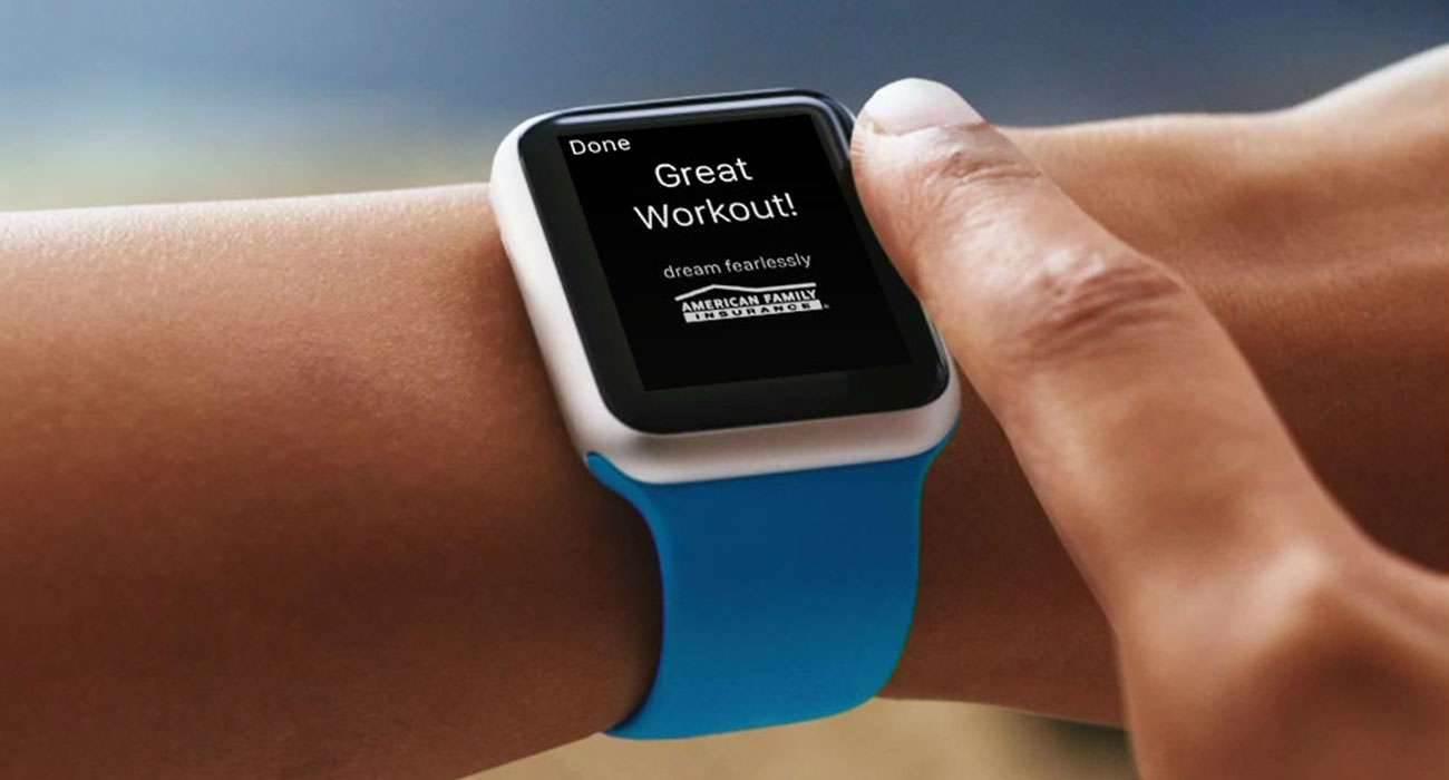 Reklamy w Apple Watch polecane, ciekawostki zegarek od apple, zegarek Apple, zarabianie, reklamy w Apple Watch, reklama, pieniądze, jak zarabiać na aplikacjach w apple watch, Apple Watch, App Store, Aplikacje  Wszystko wskazuje na to, że Apple postanowiło dać programistom aplikacji na Apple Watch nowy sposób na zarabianie.  reklama1