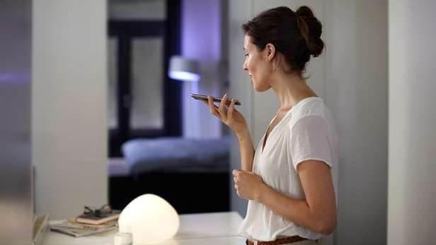 Philips Hue z Apple HomeKit - inteligentne żarówki sterowane za pomocą Siri recenzje, polecane, akcesoria żarówki sterowane za pomocą Siri, żarówki Hue, Youtube, Wideo, Philips Hue Most 2, philips hue 2, philips, iPhone, Apple  Philips Hue to nowa epoka oświetlenia w naszych domach. Praktyczny i bardzo łatwy w obsłudze, kreatywny i zupełnie dostosowujący się do indywidualnego stylu życia. Taki właśnie jest Philips Hue. HUE