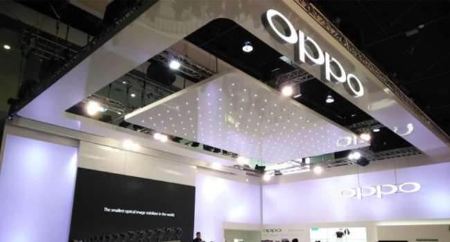 Oppo ujawniło projekt swojego SmartWatcha. Hmm.. wygląda bardzo znajomo ciekawostki zegarek oppo, SmartWatch, Oppo  Wiceprezes Oppo Brian Shen udostępnił pierwszą grafikę nowego SmartWatcha firmy. Urządzenie ma kwadratowy wyświetlacz i dwa fizyczne przyciski. Grafika pojawiła się w chińskiej sieci społecznościowej Weibo.  oppo 650x350