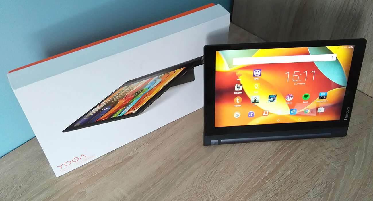 Lenovo Yoga Tab 3 LTE - recenzja urządzenia recenzje, polecane zalety, yoga tab 3, wady, Tablet, polska recenzja Lenovo Yoga Tab 3 LTE, polska recenzja, Lenovo Yoga Tab 3 LTE, lenovo, jak działa Lenovo Yoga Tab 3 LTE, czy warto kupić Lenovo Yoga Tab 3 LTE, cena Lenovo Yoga Tab 3 LTE  Nie ma się co oszukiwać, większość obecnie dostępnych tabletów wygląda niemal tak samo i różnią je od siebie drobne szczegóły wprowadzane do wzornictwa z generacji na generację, ale jednym z odmiennych modeli jest bez wątpienia seria tabletów Yoga, wprowadzona na rynek mobilny przez Lenovo. Czy przednie głośniki stereo i fabrycznie zamontowany stojak wystarczy, aby przykuć uwagę potencjalnego nabywcy? yoga