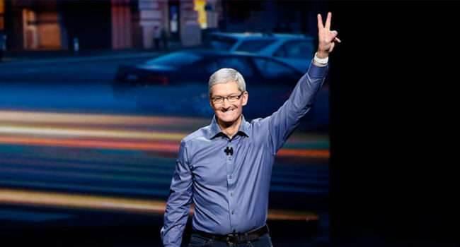 Lunch z Timem Cookiem w Apple Park ciekawostki Tim Cook, licytacja, kawa z szefem apple, Apple, akcja charytatywna  Tim Cook jak co roku bierze udział w aukcji charytatywnej w której można wylicytować spotkanie z szefem Apple. W tym roku spotkanie odbędzie się w Apple Park. Tim 650x350