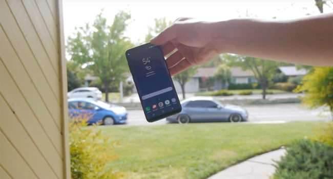 Samsung Galaxy S8 - drop test polecane, ciekawostki Wideo, test wytrzymałości Samsung Galaxy S8, samsung galaxy S8, Samsung, jak wytrzymały jest Samsung Galaxy S8, drop test Samsung Galaxy S8, drop test  Prezentacja Samsunga Galaxy S8 i Galaxy S8+ odbyła się kilka dni temu, więc czas najwyższy na  pierwsze testy wytrzymałościowe tych urządzeń. galaxys8 650x350