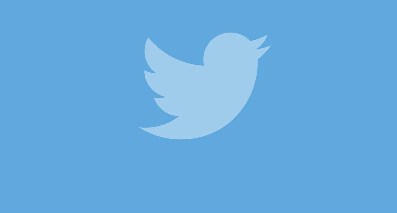 Od dziś do retweet?a w apce Twitter na iOS możemy dołączyć nie tylko tekst, ale także film, zdjęcie czy GIF ciekawostki   Od dziś użytkownicy Twittera na iOS mogą po kliknięciu retweet, czyli prześlij dalej, dodać do odpowiedzi obraz, wideo lub GIF. Twitter