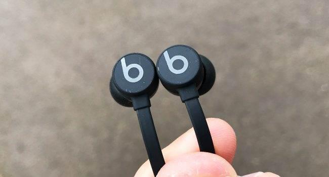 BeatsX - test i recenzja recenzje, polecane, akcesoria zalety BeatsX, wady BeatsX, recenzja słuchawek BeatsX, polska recenzja BeatsX, jak grają BeatsX, czy warto kupić BeatsX, bezprzewodowe słuchawki BeatsX, BeatsX, apple BeatsX recenzja, Apple BeatsX  Po przeprowadzeniu testów iFrogz InTone Wireless nie byłem pozytywnie nastawiony do bezprzewodowych słuchawek i trzymałem się tradycyjnych. beats 650x350