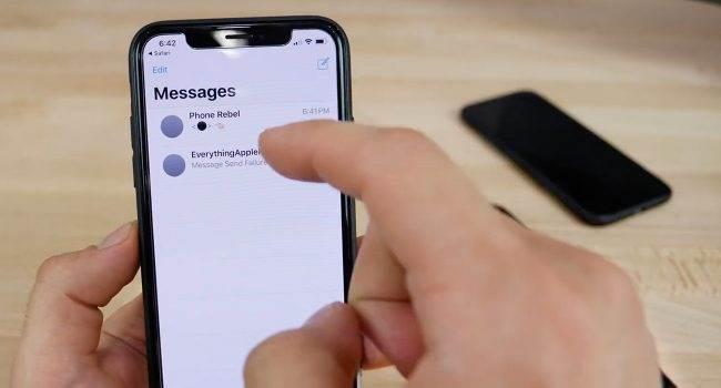 Czarna kropka zawieszająca Androida blokuje również iMessage. Zobacz jak naprawić ten błąd polecane, ciekawostki Wideo, jak odblokować imessage, iPhone, czarna kropka zawiesza iphone, czarna kropka, Apple  Jak się okazuje ?czarna kropka?, która zawiesza Androida, blokuje także aplikację iMessage. W tym wpisie opiszę Wam jak odblokować zablokowaną apkę.  czarna kropka 650x350