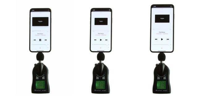 Czy głośniki w iPhone XS / iPhone XS Max są faktycznie głośniejsze od tych w iPhone X? Zobacz test głośności ciekawostki Wideo, test, jak głośny jest iPhone XS Max, jak głośny jest iPhone XS, głośnik w iPhone XS, głośnik w iPhone, Apple  Podczas prezentacji iPhone XS, Apple poinformowało nas, ze głośniki w najnowszych XS-kach, są sporo głośniejsze od tych w iPhone X. Czy to prawda? iPhoneXS glos 650x350