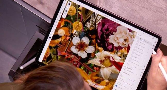 Ruszyły beta testy Photoshopa na iPada. W sieci są już pierwsze screeny z aplikacji polecane, ciekawostki screeny, Photoshop iPad, Photoshop, iPad Pro, beta testy  W maju Adobe otworzyło rejestrację do testowania Photoshopa na iPada. Dzisiaj rozpoczęły się zamknięte beta testy aplikacji. ipadPro 2 650x350