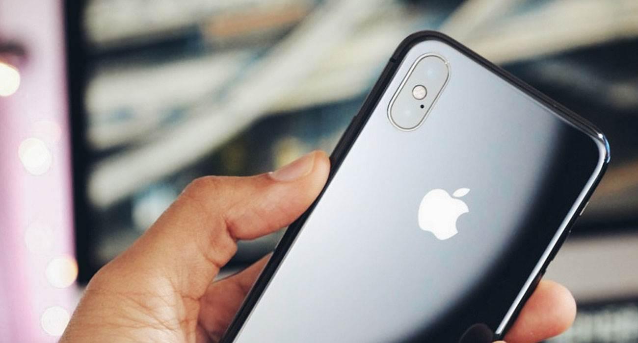 Prototypowy iPhone X w kolorze Jet Black na zdjęciach polecane, ciekawostki prototyp iPhone X, iPHone X Jet Black, Apple  iPhone X w kolorze Jet Black? Tak. Wygląda na to, że Apple rozważało wprowadzenie do swojej oferty ?dziesiątki? w takim kolorze. Świadczą o tym zdjęcia jakie trafiły do sieci. iPhoneX