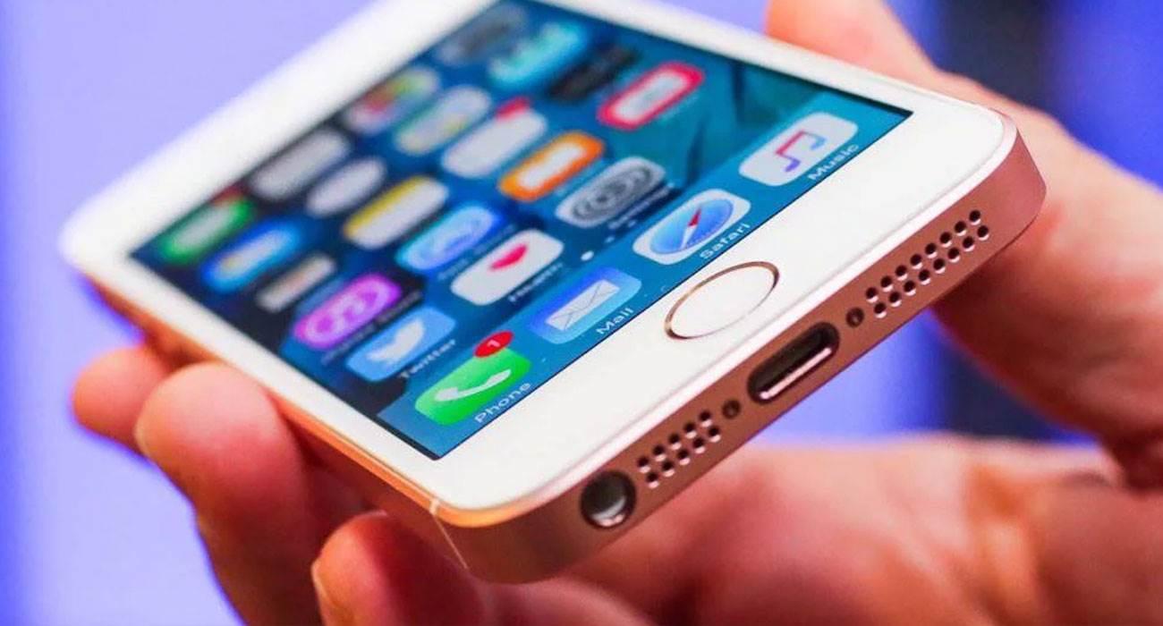Dlaczego Apple powinno wypuścić iPhone?a SE 2-gen? polecane, ciekawostki iPhone SE 2-gen, iPhone SE 2  Teraz, gdy Apple chce wejść w nową erę w rozwoju smartfonów, rynek potrzebuje iPhone'a SE drugiej generacji bardziej niż kiedykolwiek wcześniej. iPhoneSE2gen