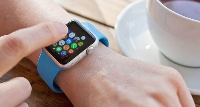 Nowość w watchOS 6: wprowadzanie tekstu na Apple Watch przez iPhone'a polecane, ciekawostki watchOS 6, jak wpisać tekst na Apple Watch, Apple Watch  Kolejną nowością w watchOS 6 jest opcja wprowadzania tekstu na iZegarku za pomocą iPhone?a. O co dokładnie chodzi? AW 650x350