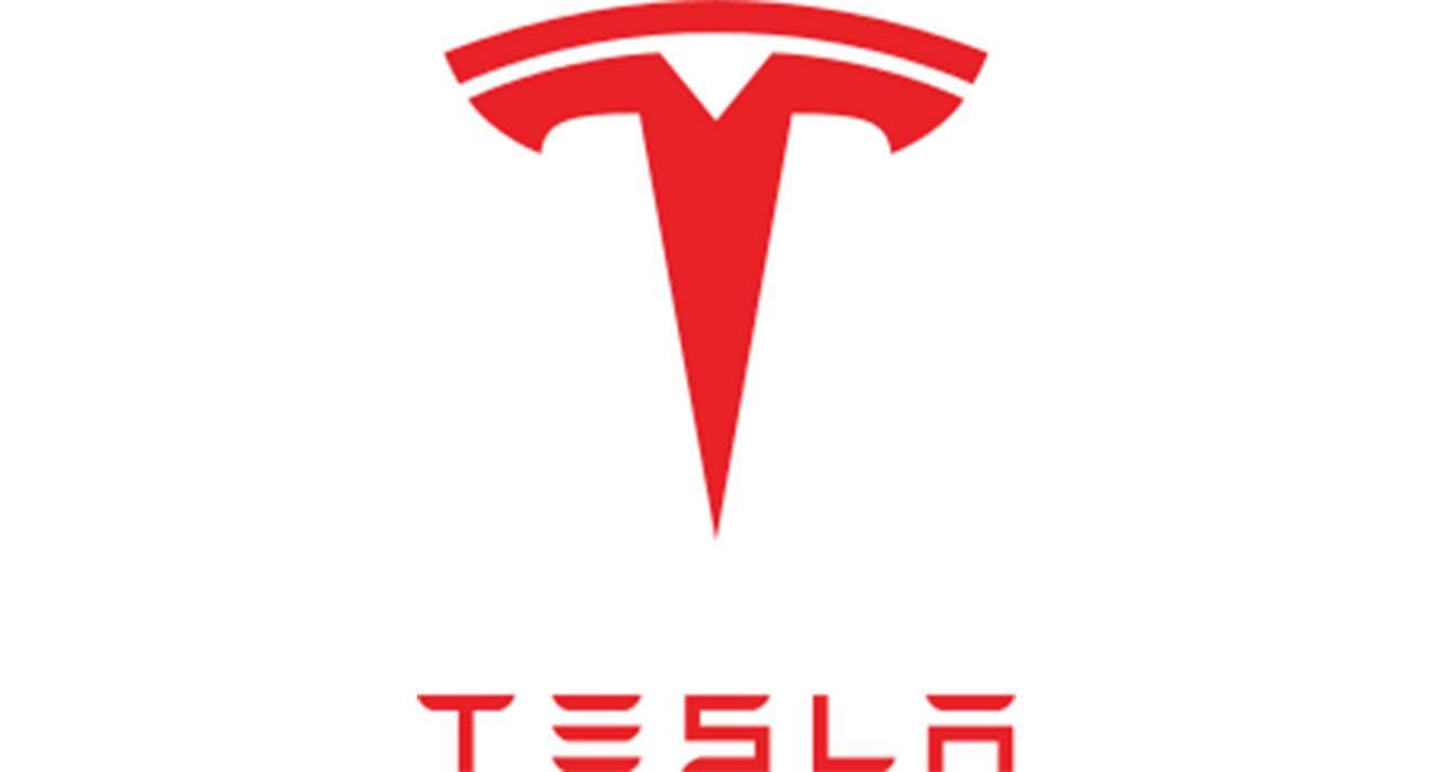 Apple planowało kupić Teslę ciekawostki zakup, Tesla, Apple  Craig Irwin, analityk z Roth Capital Partners, powiedział w wywiadzie dla CNBC, że Apple złożyło ?poważną ofertę? na zakup Tesli w 2013 roku. tesla 1