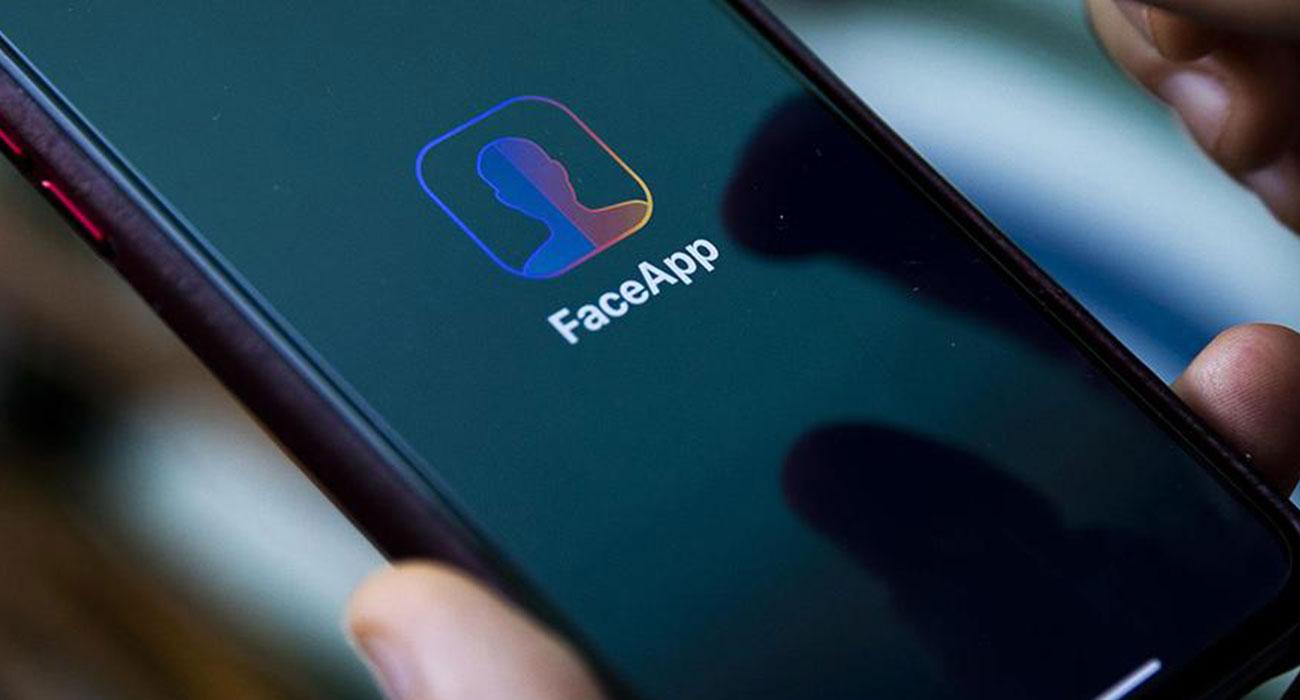 Ile w ciągu ostatnich 10 dni zarobili twórcy aplikacji FaceApp? ciekawostki   FaceApp, czyli aplikacja do starzenia się lub odmładzania cieszy się w ostatnich dniach ogromną popularnością. Jesteście ciekawi ile twórcy apki zarobili w zaledwie 10 ostatnich dni? FaceApp