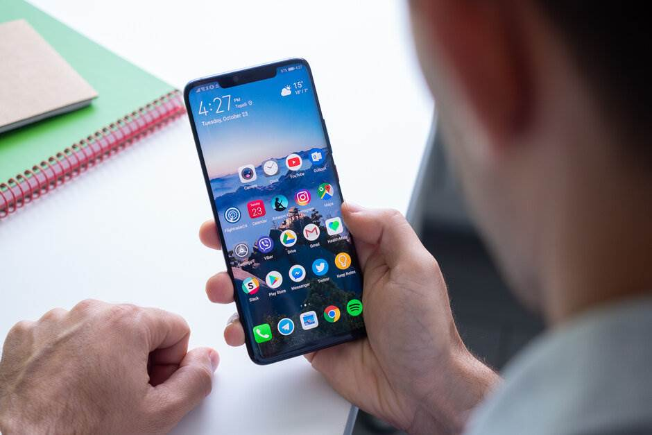 Świat nie potrzebuje flagowców z Androidem. Król jest tylko jeden. To iPhone ciekawostki iPhone, apple czy android, Apple, android czy iPhone, Android  Apple czy Android? Oczywiście, że Apple i iPhone. Prawda jest taka, że najnowsza generacja smartfonów Apple dominuje w segmencie flagowców. Nie trzeba nawet zagłębiać się w statystyki, aby to udowodnić.    huawei1