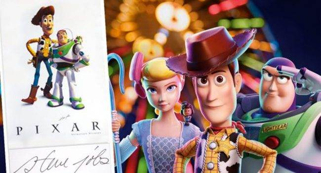 """Niezwykle rzadki plakat """"Toy Story"""" z autografem Jobsa już wkrótce trafi na sprzedaż ciekawostki toy story, Steve Jobs, plakat, Pixal  Niezwykle rzadki plakat Pixar z bohaterami ?Toy Story? Buzz i Woody, podpisany przez założyciela firmy Apple Steve Jobs, zostaną wystawione na aukcji w tym tygodniu. plakat 650x350"""