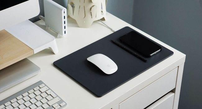 Pout Wireless Charging Mouse Pad - podkładka pod mysz, która bezprzewodowo naładuje Twojego iPhone'a polecane, akcesoria Pout Wireless Charging Mouse Pad, podkładka pod mysz z bezprzewodowym ładowaniem, podkładka pod mysz, bezprzewodowe ładowanie  Już wkrótce, Apple udostępni iOS 13, a co za tym idzie wprowadzi obsługę myszy w iPad i iPhone. Opcja bardzo fajna, ale aby komfortowo korzystać z myszki potrzebna jest podkładka. Dlatego dziś mam dla Was coś extra. lad 5 650x350