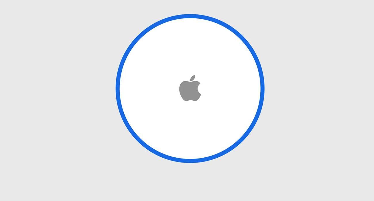 Wiemy jak wygląda konfiguracja AirTag polecane, ciekawostki Apple, AirTag  AirTag może się niebawem pojawić, a Apple już pracuje nad integracją gadżetu z aplikacją Lokalizator. Pojawienie się w sieci zrzutów ekranu prezentujących działanie nie wydanego jeszcze sprzętu może oznaczać, że niebawem trafi na półki sklepowe. AppleTag