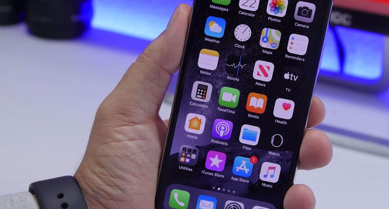 Apple przestało podpisywać system iPadOS / iOS 13.4.1 polecane, ciekawostki Update, jak wrócić do iOS 13.4.1, iPhone, iPad  Nie mamy dobrych wieści dla osób, które chciały wrzucić na swoje iUrządzenia iPadOS / iOS 13.4.1. iOS132 1