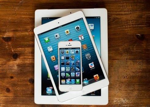 Jeśli jesteś użytkownikiem iPhone?a 5 lub starszego iUrządzenia, to koniecznie do 3 listopada zainstaluj najnowszą wersję iOS polecane, ciekawostki Apple, Aktualizacja  Apple opublikowało na swojej stronie internetowej informację dla użytkowników iPhone 5 i starszych iUrządzeń o konieczności instalacji najnowszej wersji iOS. O co dokładnie chodzi? ipad vs ipad mini vs iphone 1 491x350