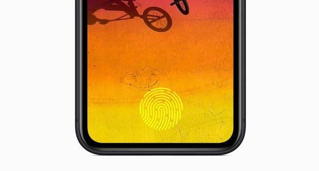 Apple rozpoczęło testy nowego Touch ID polecane, ciekawostki Touch ID, Apple  Apple ostatnio korzystało z Touch ID w 2017 roku, a już w przyszłym roku czytnik linii papilarnych może powrócić. TouchID 650x350