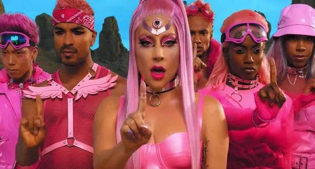 Teledysk do najnowszej piosenki Lady Gaga - Stupid Love został nagrany iPhone 11 Pro polecane, ciekawostki Wideo, Lady Gaga, iPhone 11 Pro  Do sieci trafiła dziś nowa piosenka Lady Gaga - Stupid Love. Nie było by w tym nic dziwnego, ale teledysk do piosenki w całości został nagrany najnowszym iPhone 11 Pro. LadyGaga 650x350