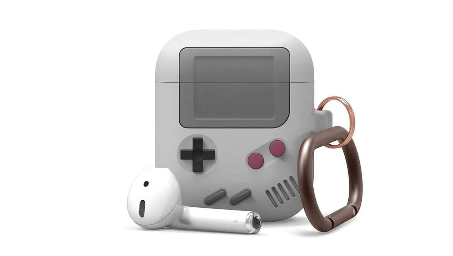 Elago wypuściło nową obudowę, która zmienia AirPodsy w mini Game Boya polecane, ciekawostki Game Boy, etui, Elago, AirPods  Producent akcesoriów Elago wydał nową obudowę w stylu odtwarzacza iPod Classic dla bezprzewodowych słuchawek Apple AirPods. etui 1