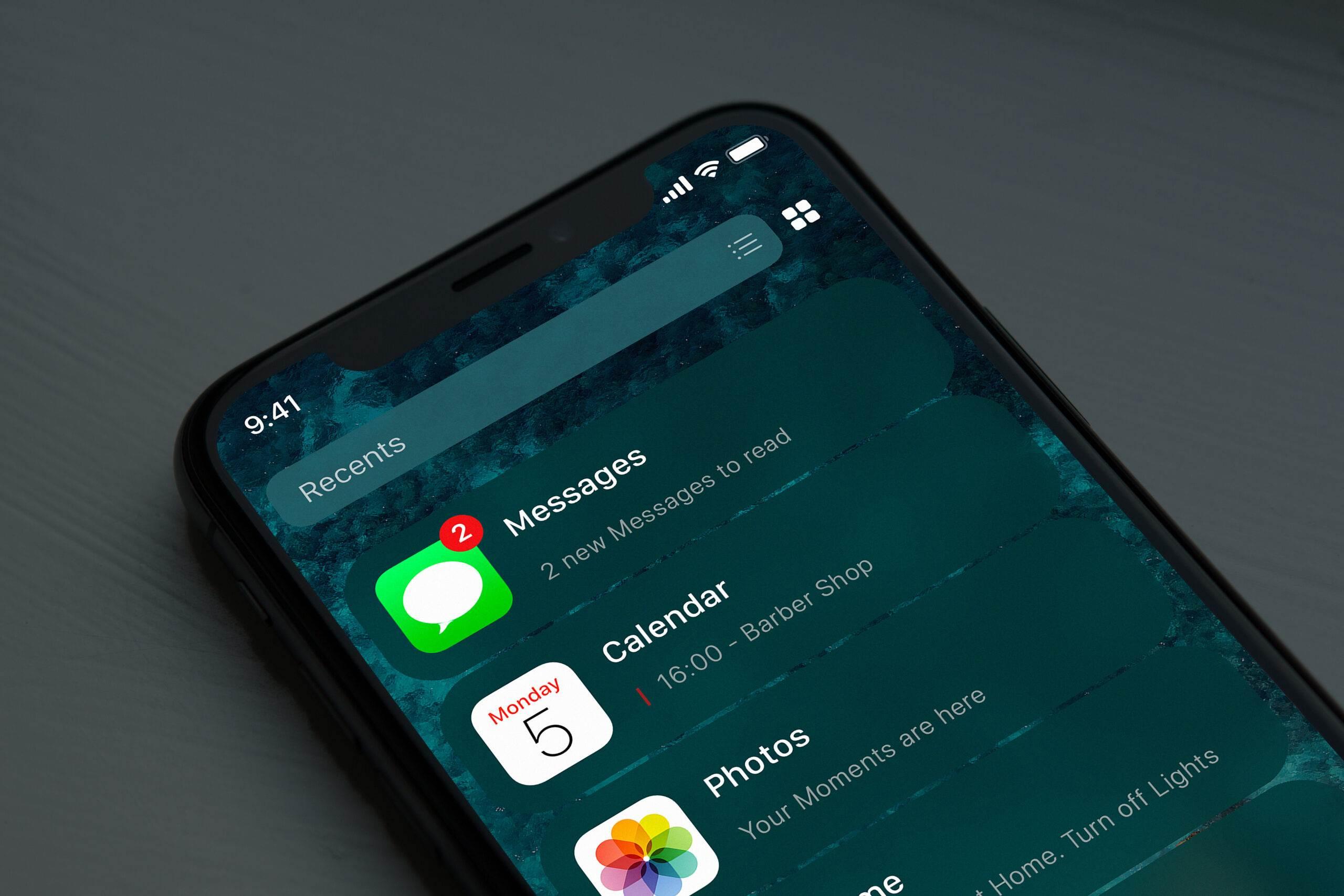 W sieci pojawił się pierwszy koncept przedstawiający nowy ekran początkowy, który ma pojawić się w iOS 14 polecane, ciekawostki iOS 14, Apple  Dzisiejsza koncepcja została stworzona przez iSpazio i opiera się na ostatnich wyciekach z wczesnej wersji nadchodzącego iOS 14. 365663 2560