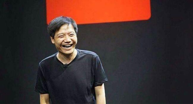 Wpadka szefa Xiaomi w chińskiej sieci społecznościowej Weibo polecane, ciekawostki Xiaomi, Wibo, Weibo  Prezes Xiaomi, Lei Jun, udostępnił w chińskiej sieci społecznościowej Weibo, zdjęcie książek, które zaleca przeczytać. Niby nic w tym dziwnego z jednym małym wyjątkiem?  Xioami 1 650x350