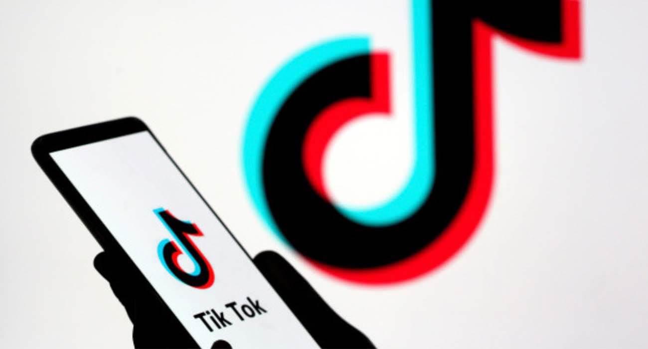 Twitter planuje kupić TikToka polecane, ciekawostki USA, Twitter, TikTok  Serwis mikroblogowy Twitter przeprowadził wstępne negocjacje w sprawie możliwego przejęcia amerykańskiego oddziału TikTok, według The Wall Street Journal. TikTok