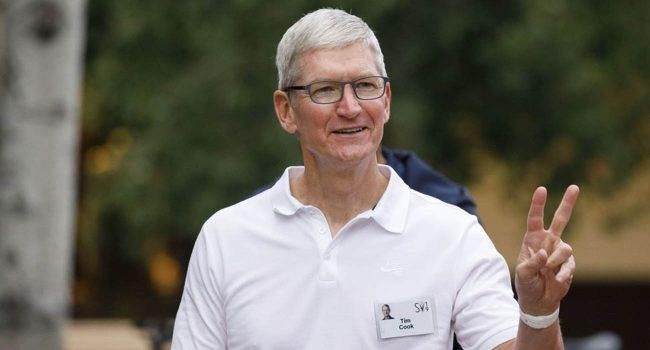 Tim Cook przekazał ponad 5 milionów dolarów na cele charytatywne polecane, ciekawostki Tim Cook, cele charytatywne, Apple  Prezes Apple, Tim Cook, przekazał w zeszłym tygodniu ponad 5 milionów dolarów na cele charytatywne. TimCook 650x350