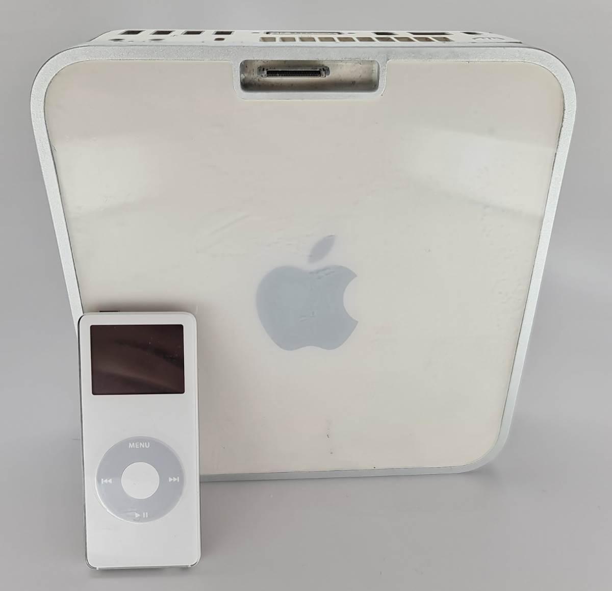 W sieci pojawiły się zdjęcia rzadkiego prototypu Maca mini ze stacją dokującą do iPoda polecane, ciekawostki prototyp, Mac mini  Użytkownik Twittera o pseudonimie @DongleBookPro zamiesił w sieci zdjęcia rzadkiego prototypu Maca mini pierwszej generacji z wbudowaną stacją dokującą do iPoda nano. mini2