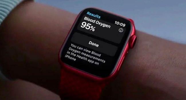 Apple Watch może pomóc wykryć COVID-19 nawet na tydzień przed pojawieniem się pierwszych objawów polecane, ciekawostki koronawirus, COVID-19, Apple Watch  Badania przeprowadzone przez Mount Sinai Health System w Nowym Jorku i Standford University w Kalifornii ujawniły, że smartwatche, takie jak Apple Watch, Fitbit itp., które stale mierzą tętno są w stanie przewidzieć, czy ich właściciel ma COVID-19. AppleWatchSeries6 650x350