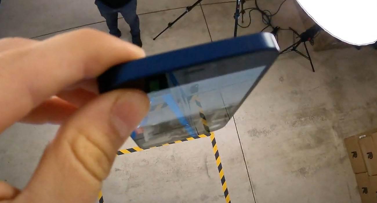 Drop test iPhone 12 / 12 Pro ciekawostki wytrzymalosc iPhone 12 Pro, wytrzymalosc iPhone 12, Wideo, upadek, test wytrzymalosciowy, test, jak wytrzymały jest iPhone 12 Pro, jak wytrzymały jest iPhone 12, drop test iPhone 12 Pro, drop test iPhone 12  Amerykański bloger pochodzenia rosyjskiego i autor kanału EverythingApplePro, Philip Coy, opublikował film przedstawiający drop test nowego iPhone 12 i iPhone 12 Pro. iPhone12droptest