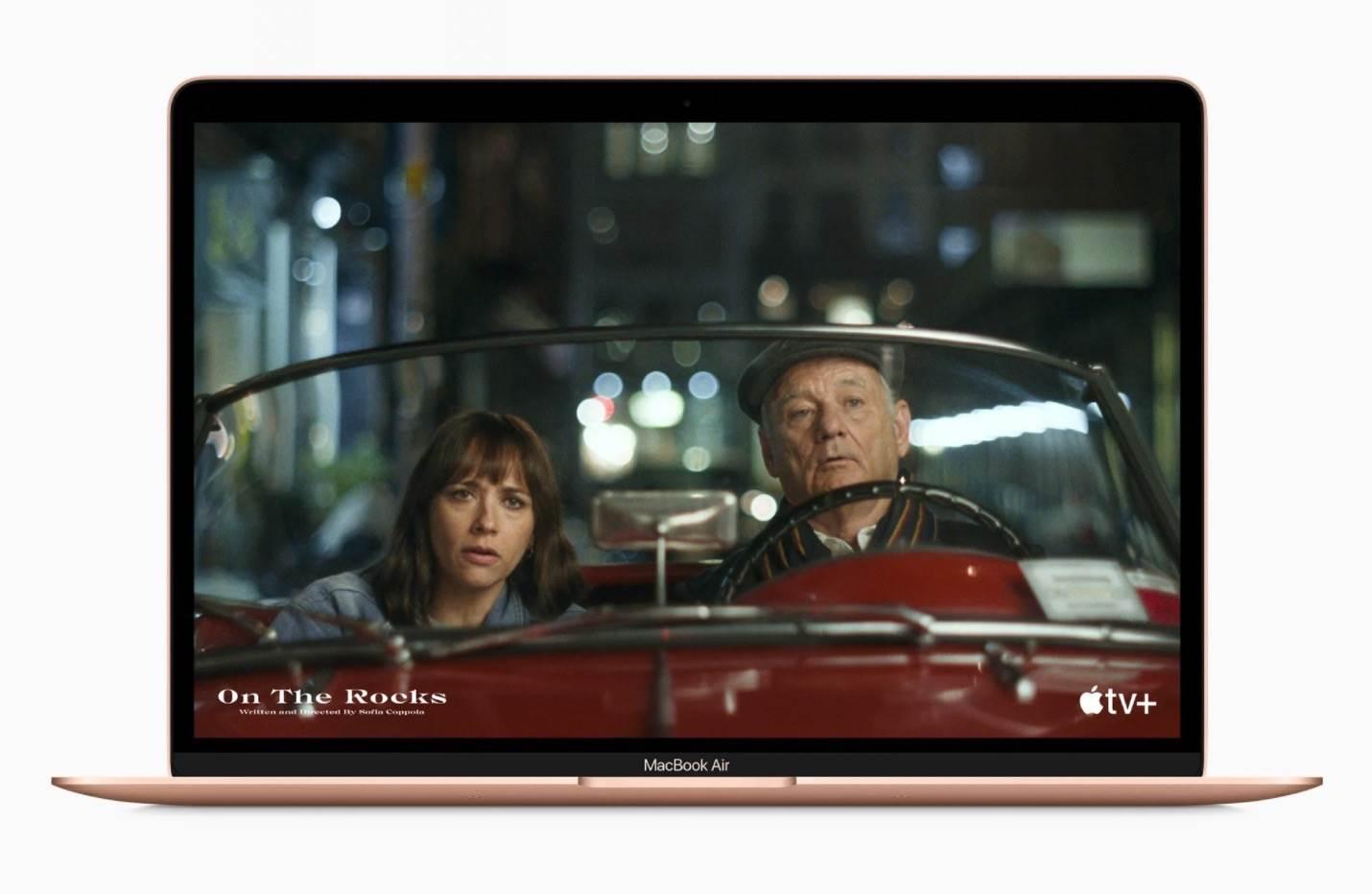 Apple przedstawia nowego MacBook Air z czipem M1 polecane, ciekawostki MacBook Air z czipem M1, Macbook Air, M1, Apple  Podczas wczorajszego wydarzenia ?One More Thing? firma Apple zaprezentowała nowego MacBooka Air z czipem M1.  1@2x 12