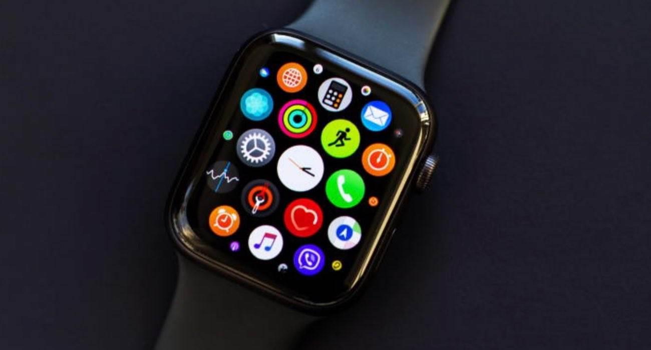watchOS 7.1 dostępny - lista zmian polecane, ciekawostki watchOS 7.1, nowosci w watchOS 7.1, lista zmian w watchOS 7.1, lista zmian, co nowego w watchOS 7.1  Dziś wraz z aktualizacjami iOS 14.2 i iOS 12.4.9 firma Apple wypuściła także finalną wersję watchOS 7.1 - lista zmian poniżej. AppleWatch
