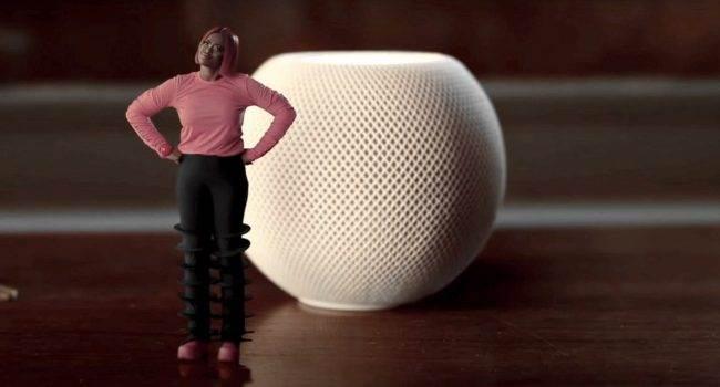 Apple opublikowało świąteczną reklamę HomePod mini ciekawostki homepod mini, Apple  Firma Apple udostępniła na swoim kanale YouTube nową reklamę świąteczną HomePod mini ?The Magic of mini?. HomePodmini 3 650x350