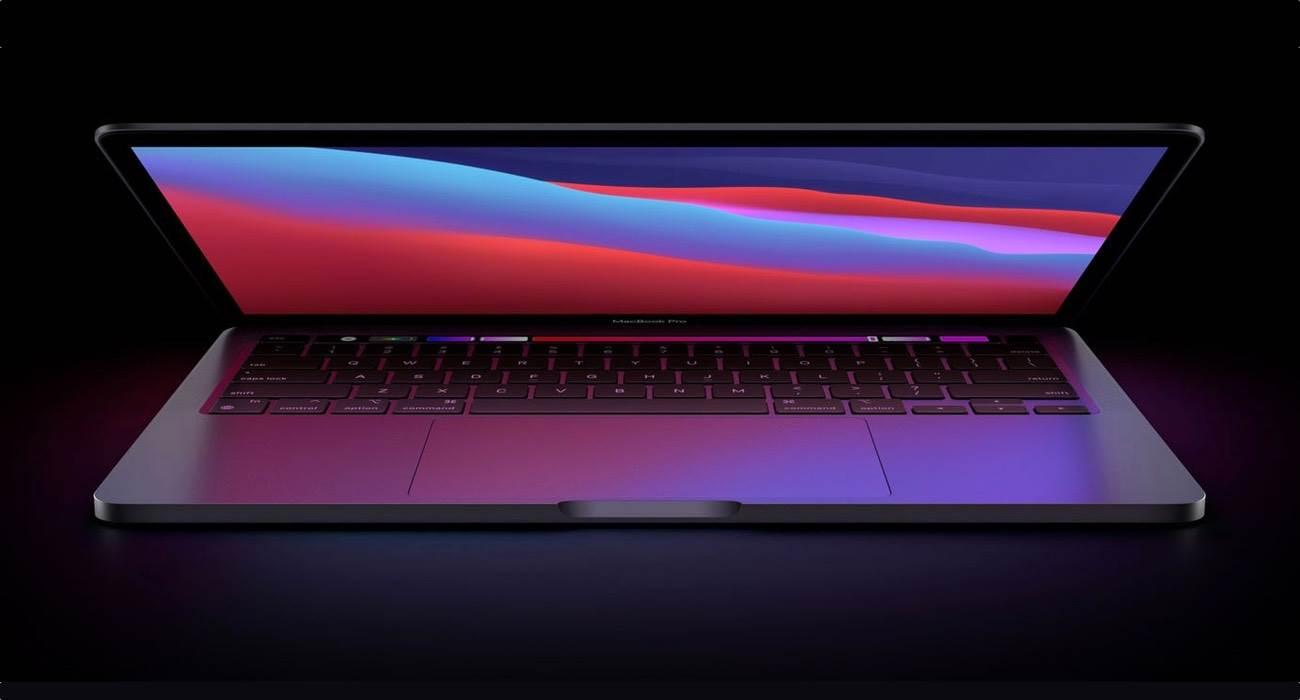 Apple zmienia funkcjonalność niektórych klawiszy funkcyjnych w MacBookach z czipem M1 polecane, ciekawostki układ klawiszy, Macbook Air, MacBook  Jak zauważył Mark Gurman z Bloomberg, Apple zmieniło funkcjonalność niektórych klawiszy funkcyjnych w nowych MacBookach z czipem M1. MacBookPro 1