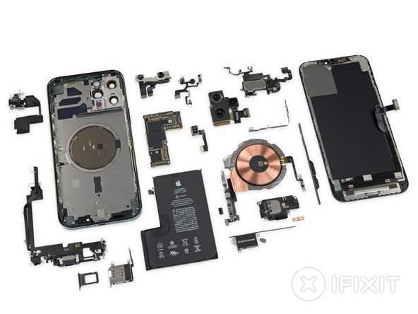 iFixit pokazało, czym iPhone 12 Pro Max różni się od innych smartfonów z tej serii polecane, ciekawostki różnice, jak rozkrecic iPhone 12 Pro, iPhone 12 Pro Max rozlozony, iPhone 12 Pro Max, ifixit, Apple  iFixit rozebrało najnowszego iPhone'a 12 Pro Max i znalazło kilka różnic konstrukcyjnych w stosunku do zwykłego iPhone'a 12 Pro. Oto one. iP12 1