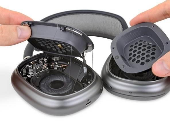 iFixit prześwietliło najnowsze słuchawki AirPods Max polecane, ciekawostki jak rozkrecic, jak rozkręcić, jak rozebrac, ifixit, AirPods Max  iFixit podzieliło się pierwszą częścią procesu demontażu nowych słuchawek Apple AirPods Max, aby ocenić łatwość ich naprawy. airpodsmax 2 3