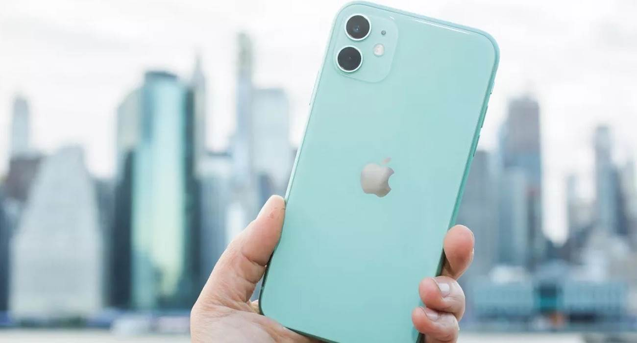 iPhone SE Plus z wyglądem iPhone 11 trafi do sprzedaży jeszcze w tym roku polecane, ciekawostki Premiera, iPhone SE Plus, cena iPhone SE Plus, Apple, 2021  Najnowsze źródła podają, że w tym roku oprócz serii iPhone 12s, Apple wypuści także iPhone SE Plus, który otrzyma wygląd iPhone'a 11 - najlepiej sprzedającego się smartfona na świecie. iPhone11 1