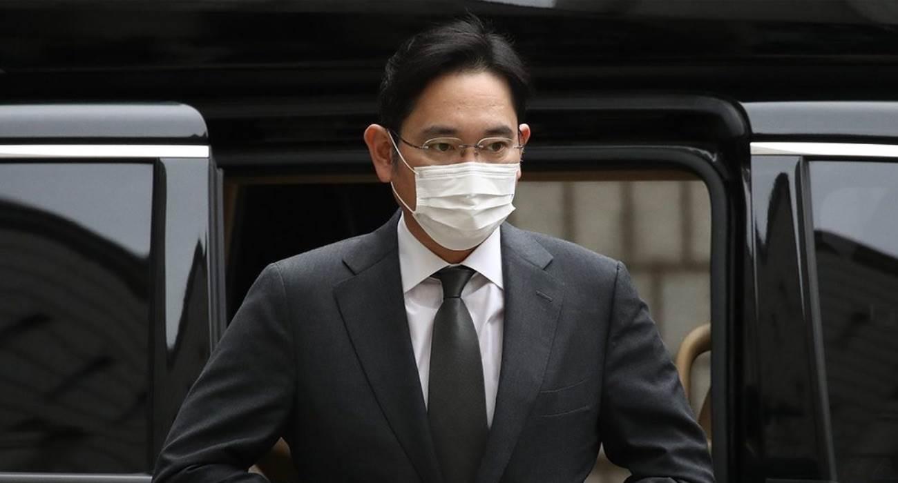 Wiceprezes Samsunga skazany na 2,5 roku więzienia polecane, ciekawostki więzienie, skazany, Samsung, Lee Jae Young  Reuters donosi, że sąd w Seulu skazał wiceprezesa Samsung Electronics i szefa Samsung Group Lee Jae Younga na 2,5 roku więzienia. Sams 1