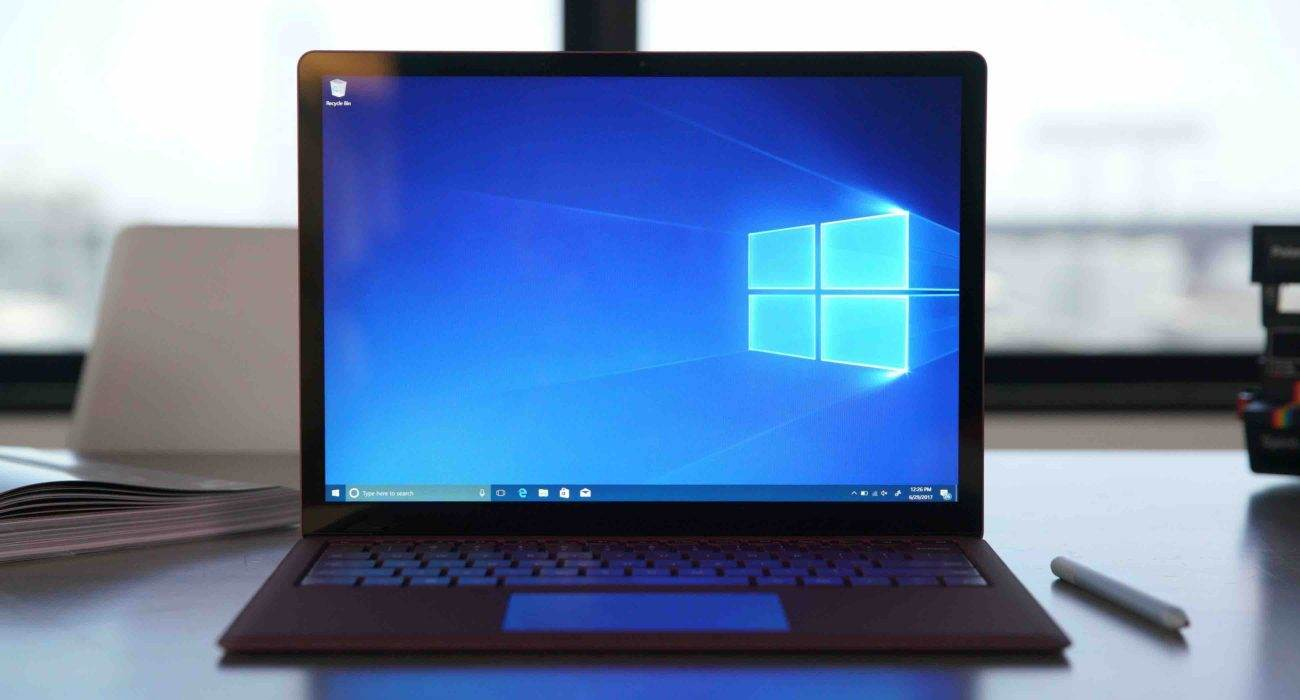 Windows 10X będzie posiadał opcję natychmiastowego wybudzenia, podobnie jak Mac z procesorem M1 ciekawostki Windows 10X, natychmiastowe wybudzenie  Większość laptopów potrzebuje czasu, aby wybudzić się ze snu. Ale już wkrótce się zmieni wraz z wydaniem systemu Windows 10X.  windows10X 1300x700