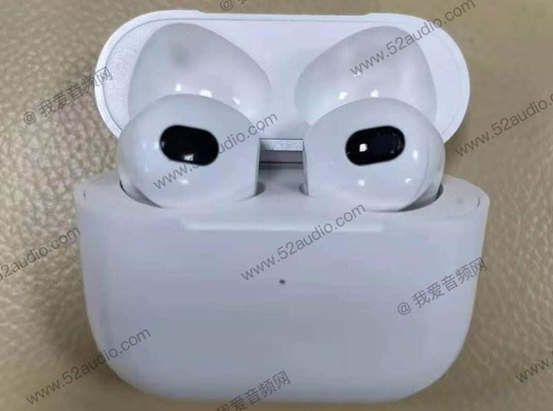 W sieci pojawiły się nowe zdjęcia Apple AirPods 3 polecane, ciekawostki Apple AirPods 3, AirPods 3.generacji, AirPods 3  Przed zbliżającą się zapowiedzią AirPods trzeciej generacji 52audio opublikowało serię zdjęć przedstawiających rzekome nowe bezprzewodowe słuchawki douszne Apple.  airpods 3 3