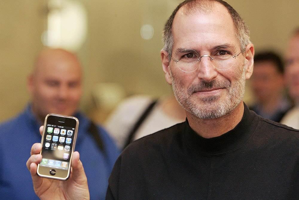 Dlaczego Apple wypuściło fioletowego iPhone'a 12? Powody są co najmniej cztery polecane, ciekawostki iPhone 12, fioletowy iPhone 12, Apple  Zastanawialiście się dlaczego Apple wypuściło fioletowego iPhone 12? Powody takiej decyzji są co najmniej cztery. Jakie? Zobaczcie sami. jobs purple 2